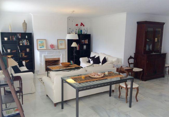 Apartamento en San Pedro de Alcántara - Stunning Duplex by the Golf & Terrace by the beach