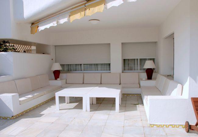 Apartamento en Marbella - Apto con terraza y vistas al mar